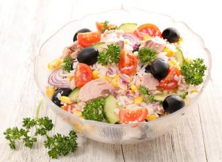 arroz aliñado con atún