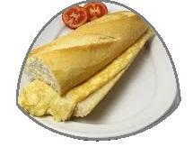 Bocadillo pequeño de tortilla francesa