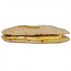 Bocadillo integral de tortilla francesa y jamón