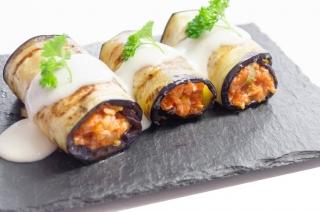 Canelones de berenjenas con bechamel de coliflor