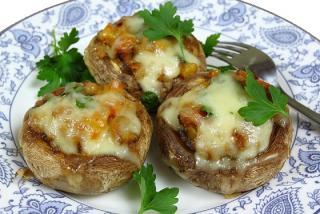 champiñones rellenos de queso y bacon