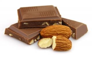 Chocolate con almendras