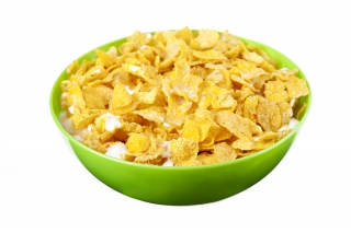 Copos de maíz con leche de almendras