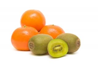 Dos piezas pequeñas de fruta