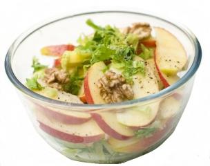 Ensalada con nueces y manzana