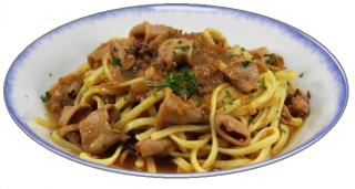 espaguetis con chipirones y tomate