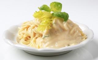 espaguetis con coliflor y levadura nutricional