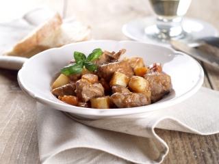 Guiso de carne de cerdo con patatas