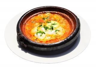 Huevos al plato con champiñones (en microondas)