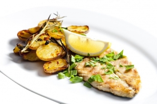 Jurel al horno con patatas y cebolla