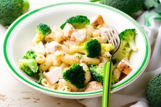 macarrones con brócoli y pavo