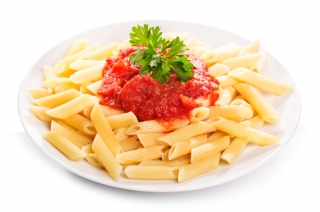 Macarrones con tomate triturado