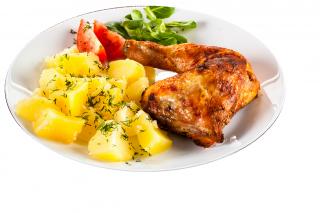 Muslo de pollo al horno con patatas y cebolla