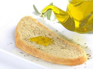 tostada sin gluten con aceite
