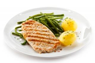 Pechuga de pollo con judías verdes y patata