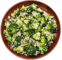 Quinoa con brócoli al ajillo