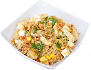 quinoa con verduras y tofu