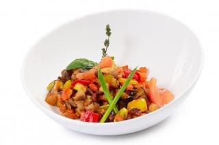 Verduras salteadas con pavo