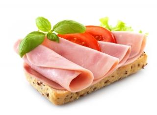 Tostada integral con aceite y jamón cocido